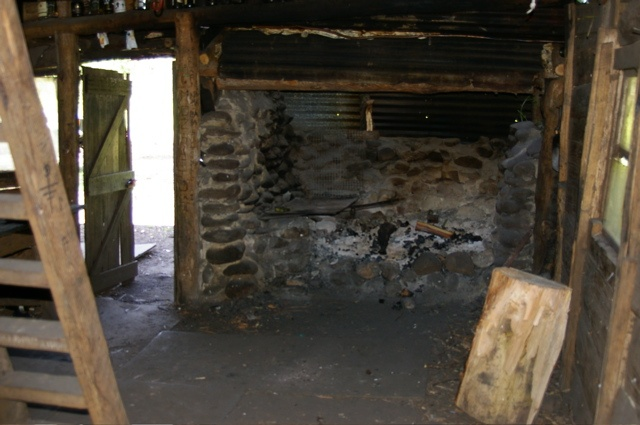 ✿ڿڰۣ(̆̃̃•Aussiegirl   Inside Upper Jamieson Hut