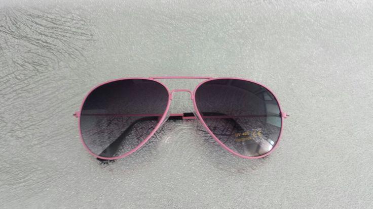 Estilo Rayban negras marco rosa