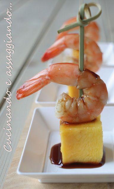 Pincho de langostino con mango y vinagre balsámico de Módena Pinterest | https://pinterest.com/elcocinillas/