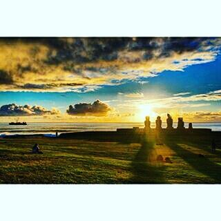 Another day another gorgeous #sunset in #EasterIsland #repost thanks to @thewandererbard
