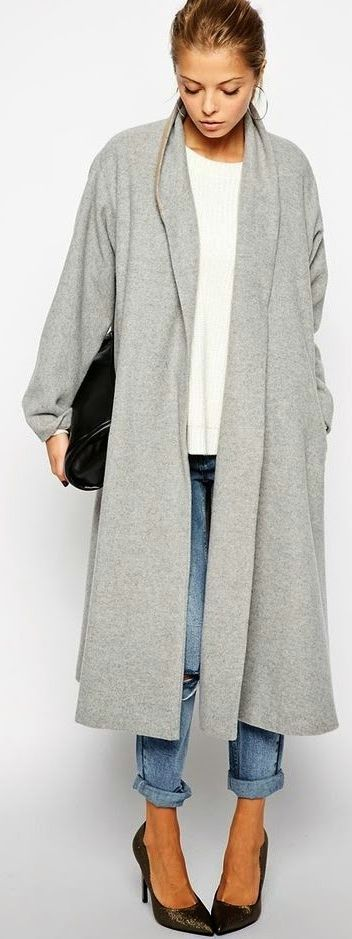 Fall / Winter - street chic style - white t-shirt - boyfriend jeans + black stilettos + black handbag + light grey oversized long coat