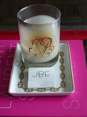 Jennifer Boles' monogrammed matchbooks #sochic