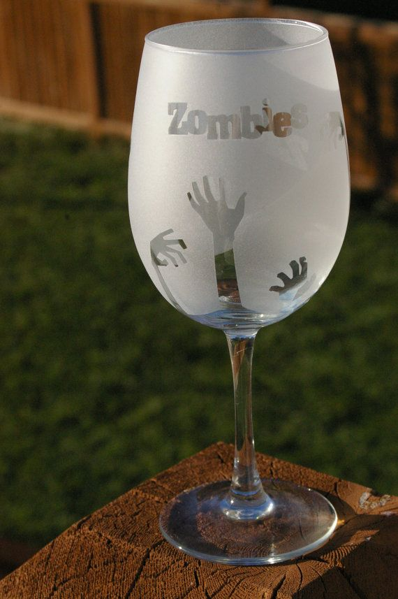 Zombie glass, Halloween glass, Walking Dead wine glasses | Crafts Walking dead & Zombies | Pinterest