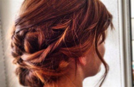 Dopo il bronde, è l'ora del broux che nasce dal mix di brown (marrone) e roux (rosso). Intense sfumature ramate illuminano le chiome più scure sortendo effetti luminosi di gran tendenza quest'inverno