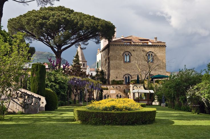 I would like to go back and stay a few days in the area.  We had a one day stop on the cruise ship and had lunch at Villa Cimbrone.  Just beautiful