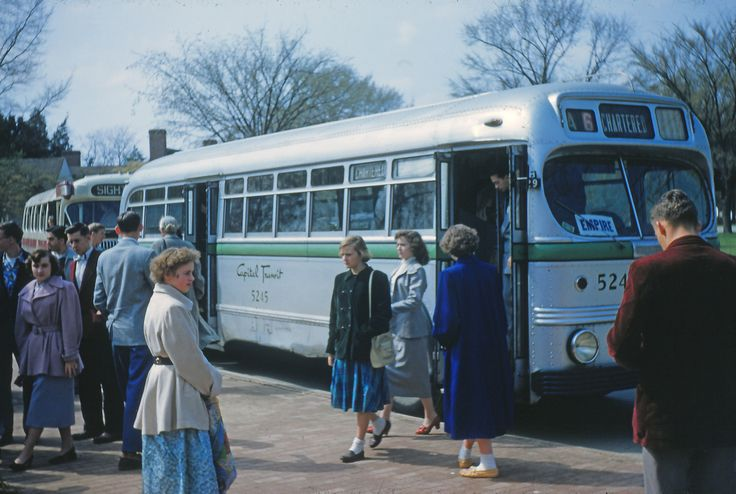 https://flic.kr/p/yDH3dS | Capital Transit chartered bus at Mount Vernon | A chartered Capital Transit bus, sometime in the early 1950s deposits sightseers (a class field trip?) at the entrance to the grounds of Mount Vernon.