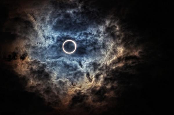 Todays annular eclipse. Photography by Saitama, Japan based photographer M kun2