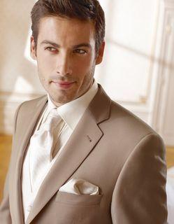 Costume marié homme beige