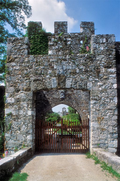 Castello Rive D'Arcano - B&B Stop&Sleep Fagagna #friuli #italy #travel #castle #hills