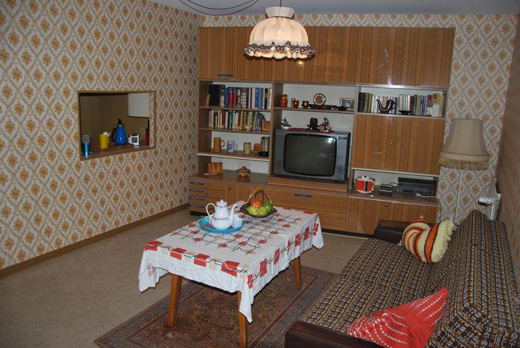 Das DDR Museum hat sein Wohnzimmer renoviert, hier seht ihr das ...