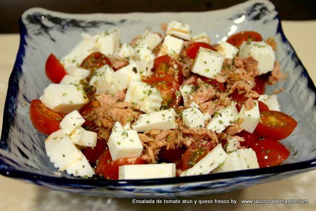 Ensalada de tomate, atún y queso fresco | Cocina