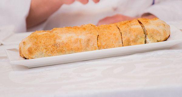 Per il crumble salato: 300 g di pane in cassetta senza crosta  100 g di nocciole in pezzi grossolani  100 g di burro salato 30 g di prezzemolo