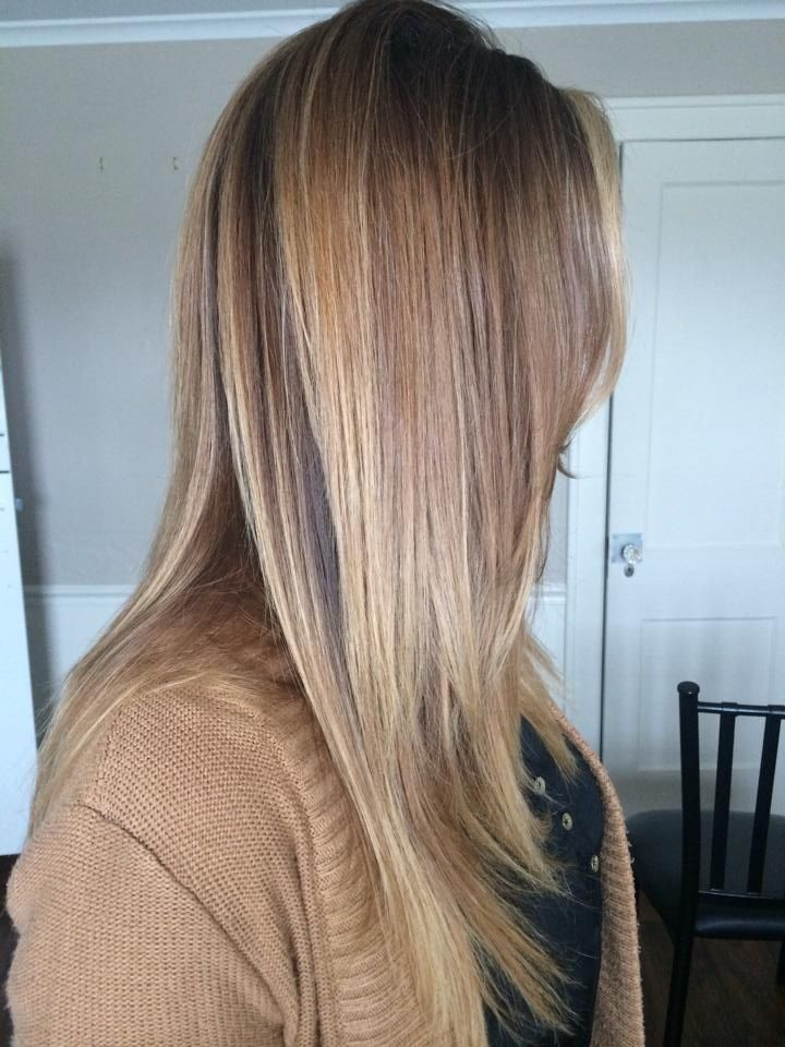Side view of a very subtle ombre retouch with blonde Balayage and beige blonde tones throughout with seamless layers, movement and long layers throughout the cut bronde Blake lively inspired haircolor colormelt golden bronde