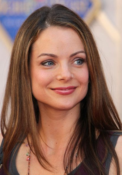 Kimberly Williams - Paisley - actress born 09/14/1971 Rye, NY  - married to country singer Brad Paisley - they have two sons