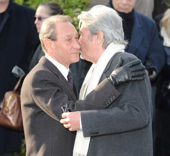 Alain Delon Photos Photos - Mayor of Paris Bertrand Delanoe (L) and Actor Alain Delon (R) attend Producer and Actor Claude Berri's Funeral on January 15, 2009 in Paris.  (Photo by Pascal Le Segretain/Getty Images) * Local Caption * Bertrand Delanoe;Alain Delon - Producer and Actor Claude Berri's Funeral