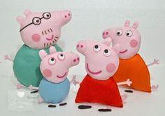 Família Peppa Pig em feltro. Todinha costurada à mão. www.facebook.com/JoMatarazzoAtelie