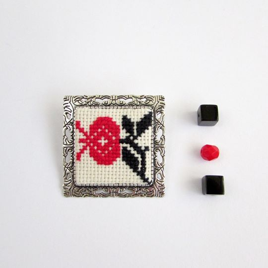 Brooch flower of desires Brooches/ handmade/ embroidery 2.5см./ fashion/ gift 250.00 UAH