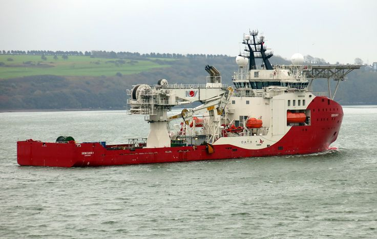 https://flic.kr/p/BFK6bT | Siem Daya 1 |              Siem Daya 1, an Offshore Subsea Construction Vessel leaves Pembroke Dock this morning for continuing installation work off Ramsey Sound. Presumably to do with the installation of undersea turbines.  A substantial  8600 gross tonnage vessel of some 120m by  22 m in the new style of hull design  for offshore support  built for  Norway in 2012/2013  and registered to Limmasol.    Four main  Wärtsilä diesel electric  engines  support by no…