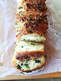 Taniec Smaków: Chlebek ziołowy z serem, do odrywania