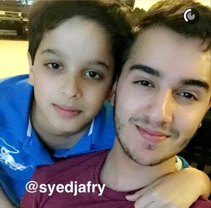 Shahveer Jafry with his lil brother Micky ❤️