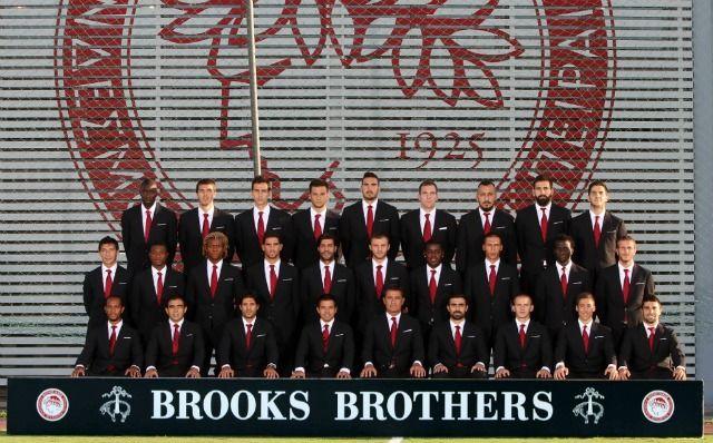 Brooks Brothers Greece dresses the Football players of Olympiakos team!