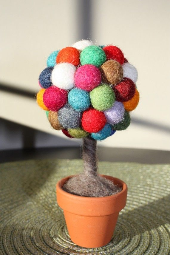 One of the cutest uses of felt balls I've seen.