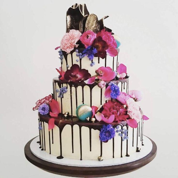 Unique Cupcake Wedding Ideas: Best 25+ Unique Wedding Cakes Ideas On Pinterest
