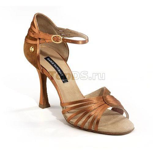Танцевальные туфли для девочки