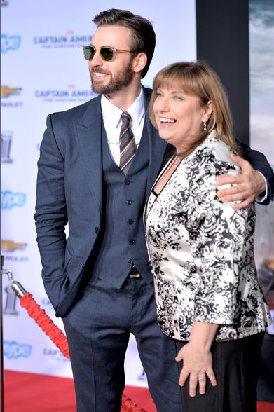 Chris Evans and his mom