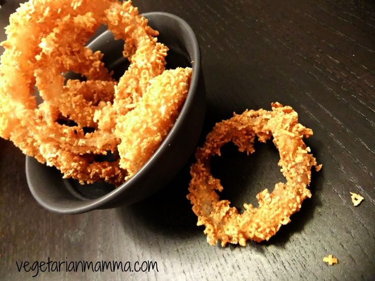 Gluten-free onion rings use Chex cereal!--from vegetarianmamma.com