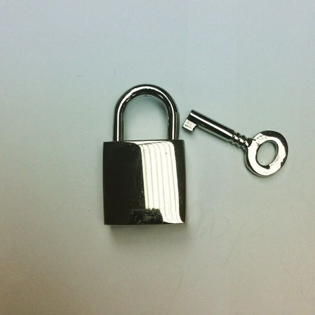 Silver Pad lock  https://www.etsy.com/listing/199627989/silver-colour-lock-and-key-35cmx-20-cm?