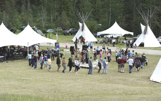 Lakeshore Resort & Campground is Owned and operated by Akisqnuk #FirstNation and is the largest RV park & #campground located on Lake Windermere. #AboriginalBC http://www.aboriginalbc.com/members/lake-shore-bc-resorts/