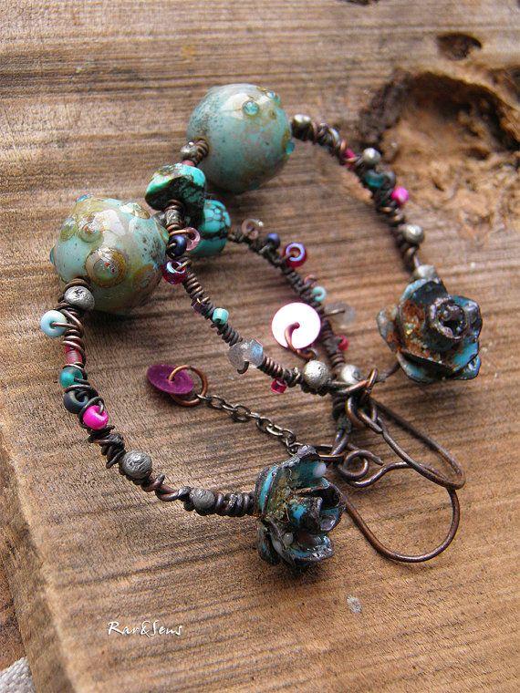 Boucles d'oreille créoles,boucles vintage-rustiques-style gypsy bohème-boucles d'oreille nomades-rose émaillée-turquoise-rose-bleu