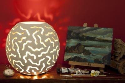 """Lampada sfera intarsiata diam 30 - """"Le Meraviglie della Pietra"""" - Castrignano dei Greci (Lecce) http://www.lemeravigliedellapietra.com/lampadaventiquattro.htm"""