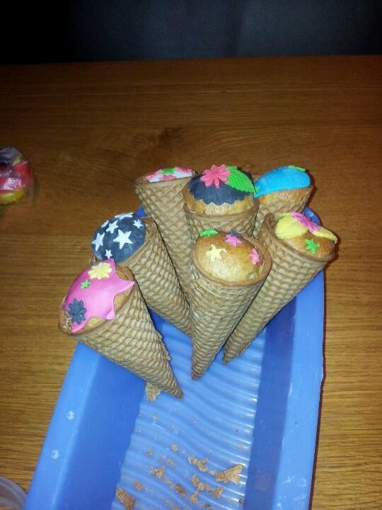 Cupcake ijshoorntje
