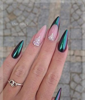 Best 25 diamond nail designs ideas on pinterest black glitter diamond nails 30 nail designs with diamonds prinsesfo Image collections