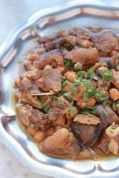 Chtitha bouzelouf ou ragoût de tête et pieds de mouton algérien. Si vous êtes un amateur d'abats, vous allez vous régaler! Aid el Adha | www.Cuisineculinaire.com