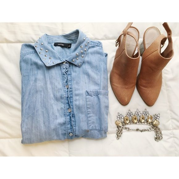 Denim Top Denim top with decorative collar. Perfect with a pair of Jeans and some booties! Apt. 9 Tops Button Down Shirts
