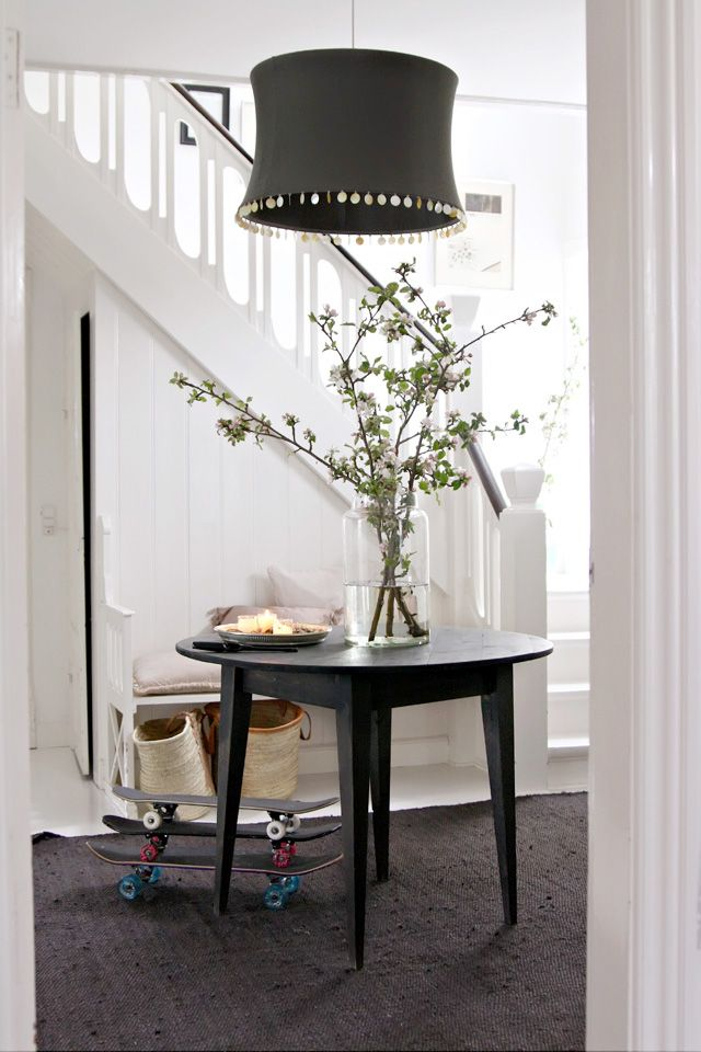 Black and white - crisp is the operative word - add the touch of green from outdoors - beautiful