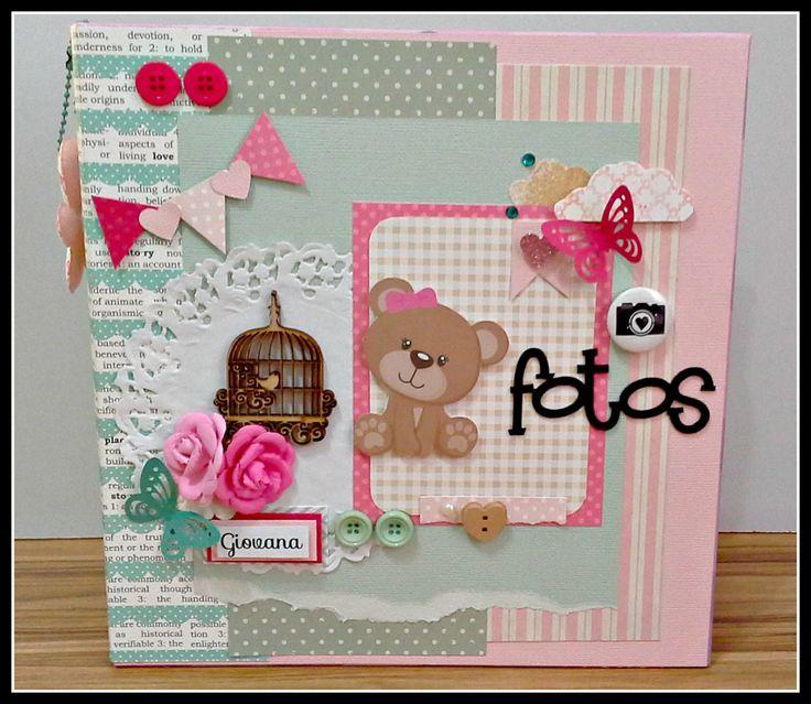 Kit Álbum 400 fotos 10x15 + caixa em MDF no mesmo tema. <br> <br>Capacidade para fotos 400 10x15. <br>Álbum com ferragem (tipo fichário) <br>Folhas em plástico texturizado branco. <br> <br>Dimensões aproximadas do produto: 28 x 23 <br> <br>No Bazar todos os produtos são personalizados, sendo assim, os produtos à venda são modelos para que você escolha e faça do seu jeito. Todo o material utilizado está sujeito a disponibilidade de estoque/ ou material similar.