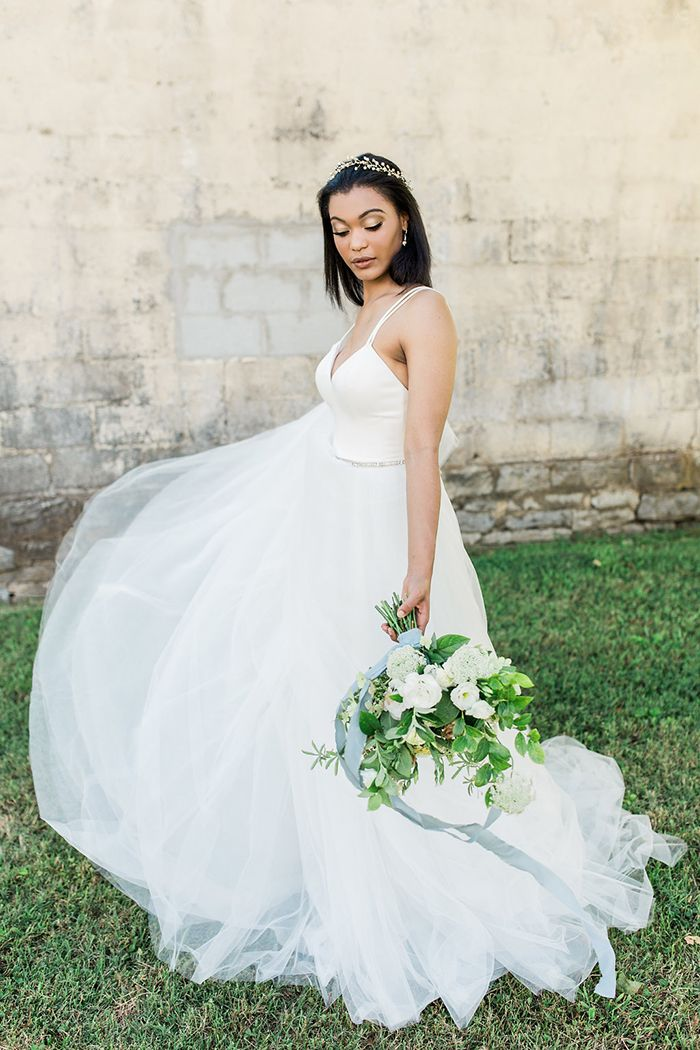 Timeless beauty combines with fresh bridal inspiration in this chic summer farm wedding shoot in Nashville, TN, with greenery and marble details!