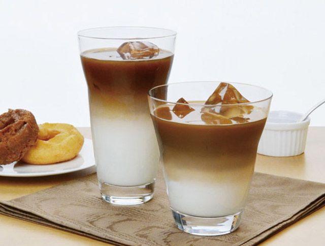 #アイスカフェ 好きな自分用も #お父さん の #プレゼント にも♪  オススメのはコチラのアイテム♪  2層のアイスカフェオレが簡単に出来上がるグラス♡  たっぷり楽しめる大容量のグラスで、くつろぎの一時をお楽しみください。  明日から限定10倍ポイント特集開催致します。 是非チェックしてね!!  アイスコーヒー特集↓ http://item.rakuten.co.jp/cosmo-style/c/0000000705/ ビアグラス特集↓ http://item.rakuten.co.jp/cosmo-style/c/0000000708/   #日本製 #アイスコーヒー #夏 #タンブラー #父の日 #ビール #ガラス #マイグラス
