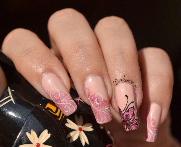 Nail Art Fleur Holographique & Arabesques