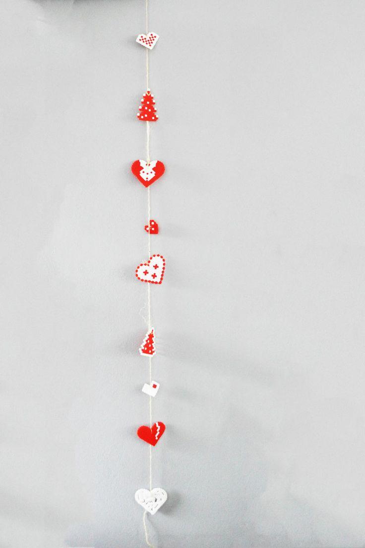 de allermooiste kerstboomversieringen maak je natuurlijk zelf. Bijvoorbeeld met strijkkralen - van Kinderwinkel Westerkade