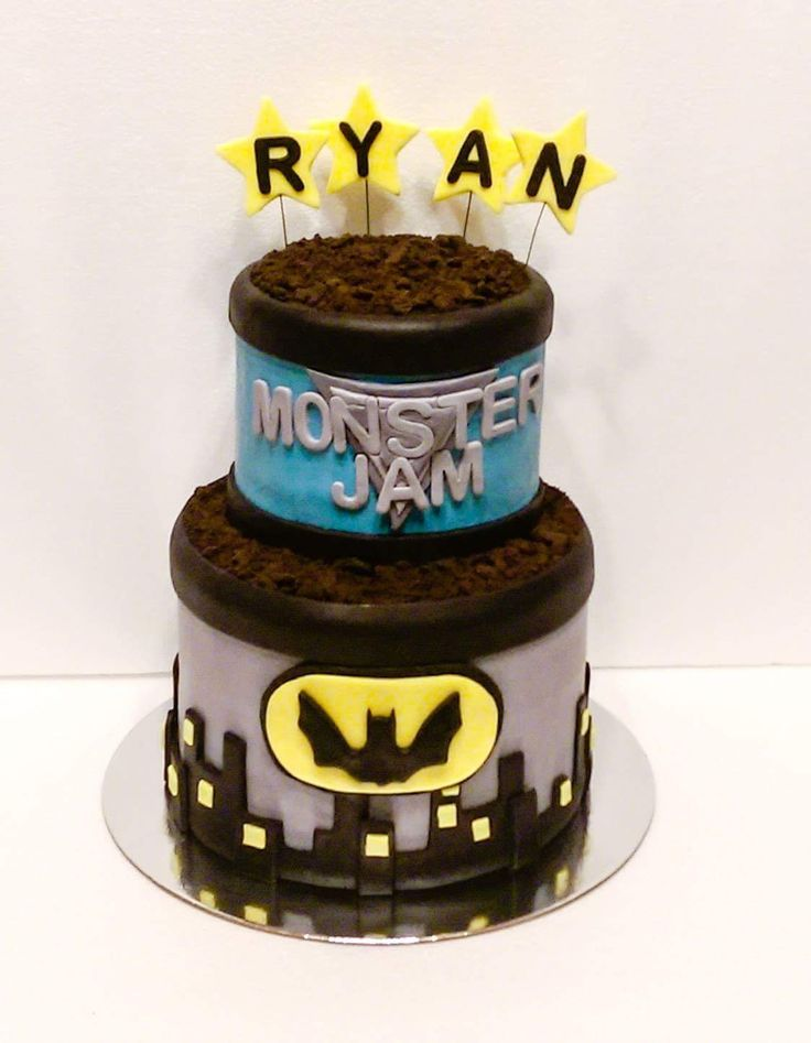 Batman/ monster jam cake