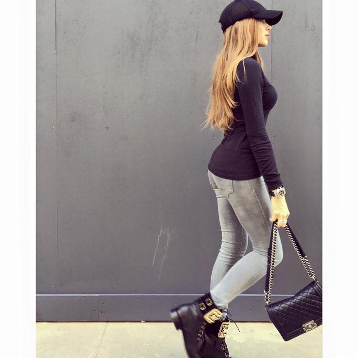 Xenia Tchoumitcheva - gray jeans