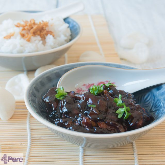 Chinese babi pangang recipe, Indonesians style. Roasted instead of deep fried.