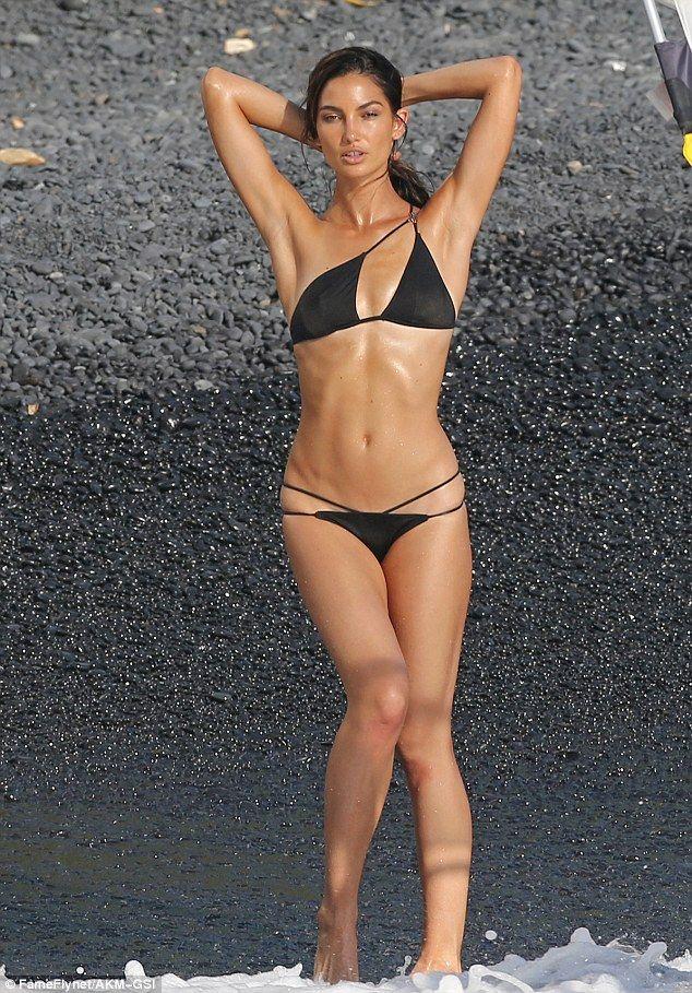 Bikini models free stuff