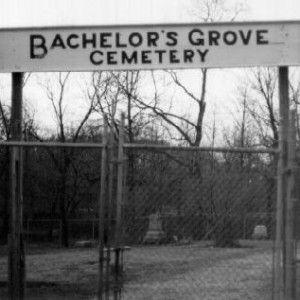 http://scaredyet.net/bachelors-grove-haunted-graveyard-north-america/