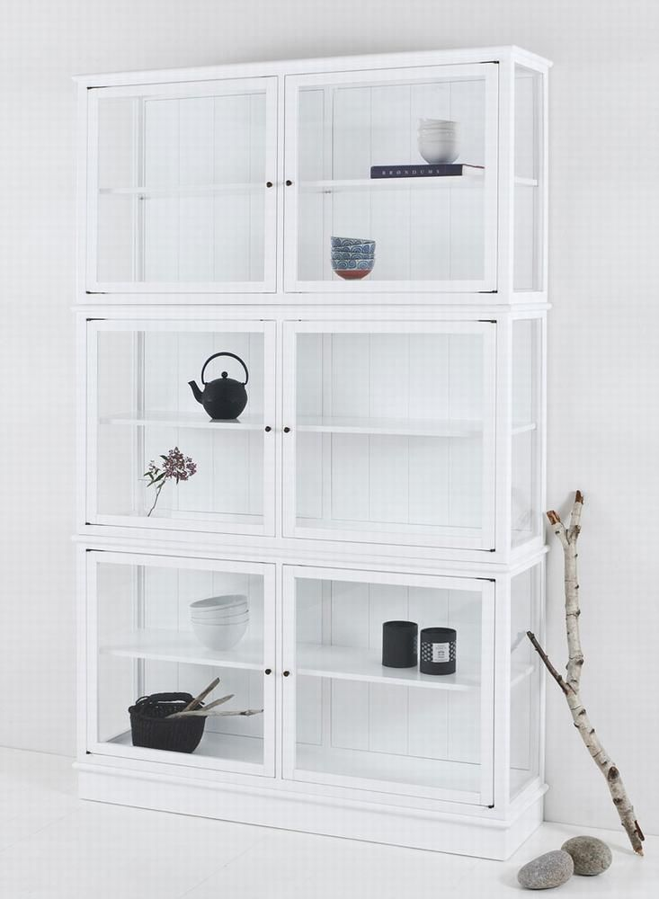 Vitrineskab hvid med glaslåger - New Nordic design